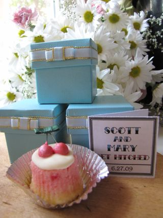 Tiny Cake Favors